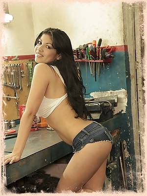 Natalia Spice is your sexy mechanic